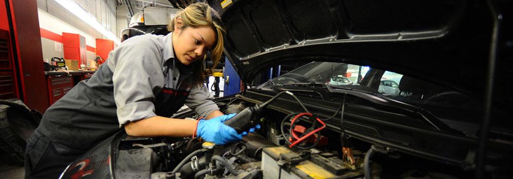 Car-Technician-on-JunkCommunity