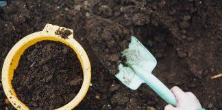 Tips-to-Keep-Organized-Your-Garden-Supplies-on-junkcommunity